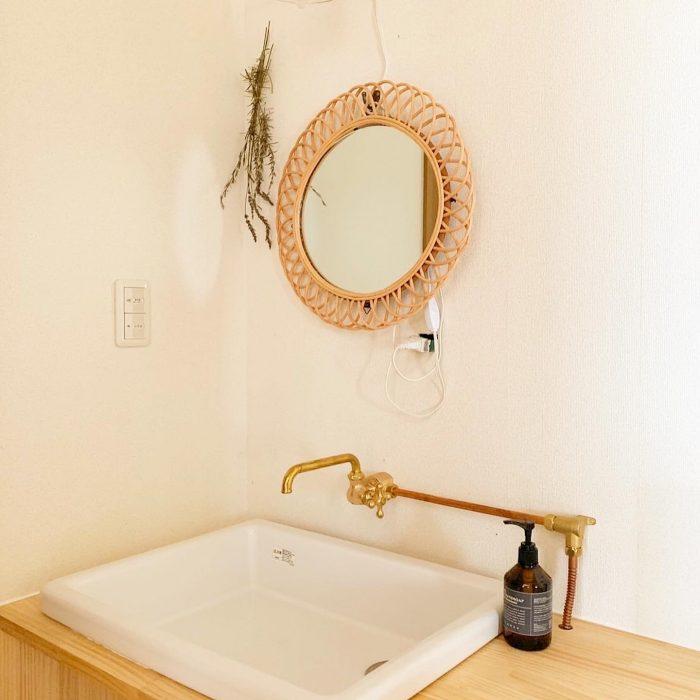 オシャレなカフェ風北欧スタイルの洗面台が仕上がりました。配管むき出しで見た目がスッキリ!お掃除が楽ですね!