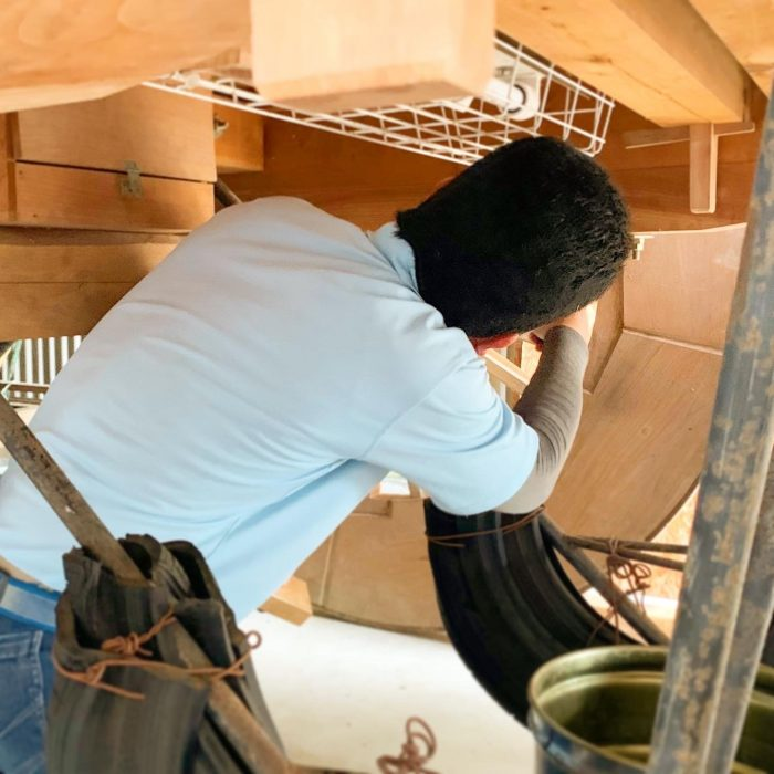 屋台の点検、修繕工事をしています。今年はお祭りがないので、この機会に点検してみてはどうでしょうか~!?