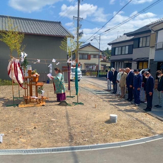 下宿公会堂の地鎮祭を行いました。一同心一つに安全に気を付け心を込め完成することを誓います!