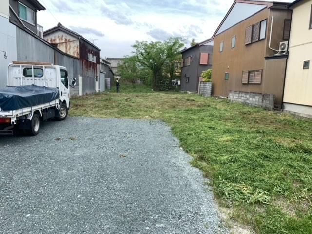 駐車場の草刈りをしました。これでしばらくはいいかな(^_^)v